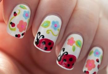 Lady-Bug-Nail-Art-Paulinas-Passions