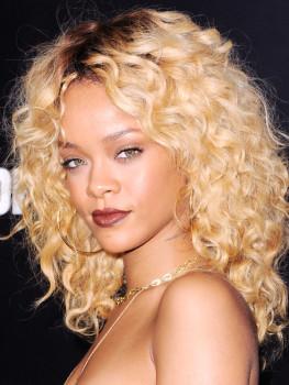 Rihanna-Blonde-Curly-Hair